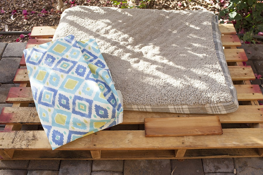 easy-diy-outdoor-dog-pallet-bed-step4
